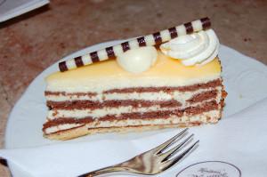 Eggelikør kake