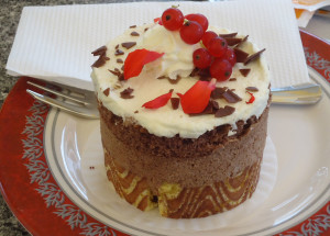 Hasselnuss-Truffel Torte