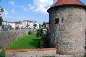 Muren og villegraven rundt Freistadt, Oberösterreich, Østerrike.