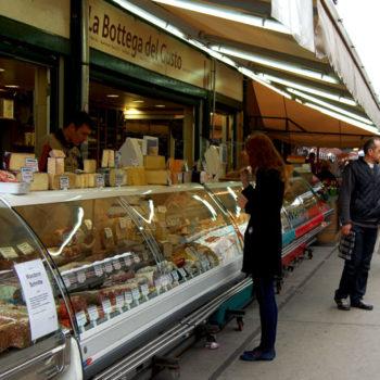 Opplev Wiens fargerike markeder - Naschmarkt, Wien, Østerrike