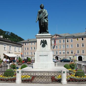 Mozartstatue i Salzburg, Østerrike