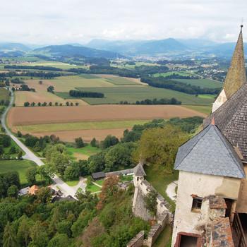 Utsikt fra Burg Hochosterwitz, Kärnten, Østerrike.