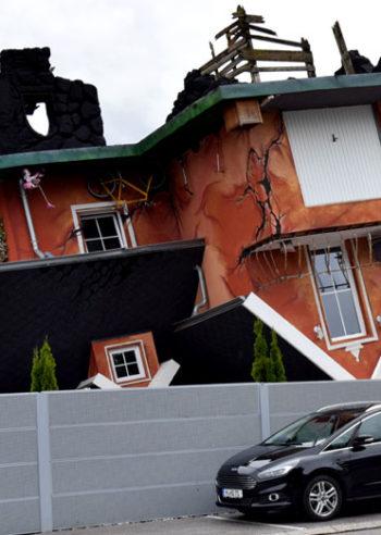 Fem morsomme aktiviteter for en regnværsdag i Tirol, Haus steht Kopf, Østerrike