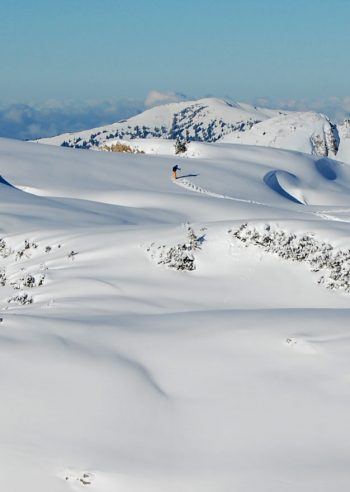 Høyfjells vintervandring på Gottesackerplatået, Kleinwalsertal, Vorarlberg, Østerrike