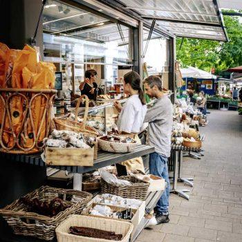 Opplev Wiens fargerike markeder - Kutschkermarkt - Markeder i Wien, Østerrike