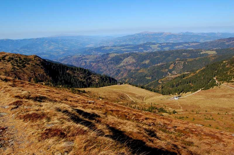 Utsikt inn i Kärnten fra Koralpen i Østerrike