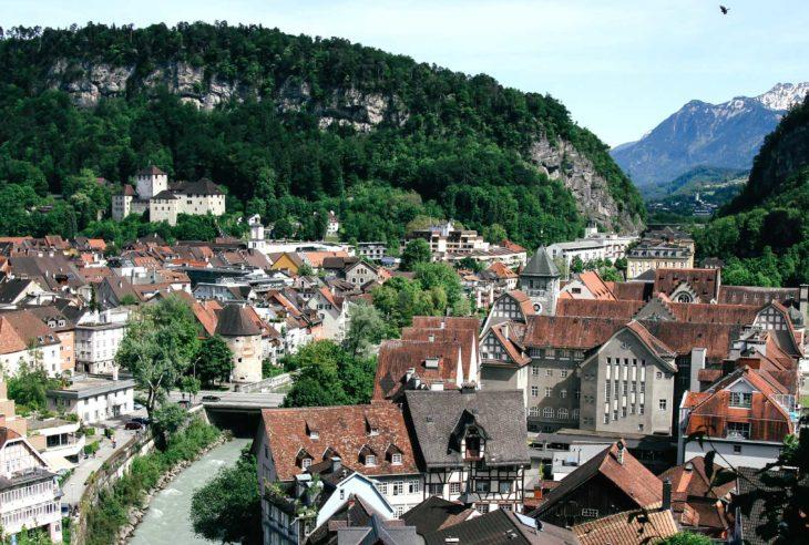 Utsikt over Feldkirch, Vorarlberg, Østerrike